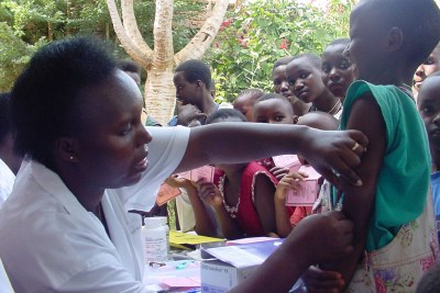 Yellow fever vaccination (file photo).