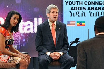 U.S. Secretary of State John Kerry engages with young people at the University of Addis Ababa on his last visit to Ethiopia. Alongside him is BBC television anchor Zeinab Badawi.