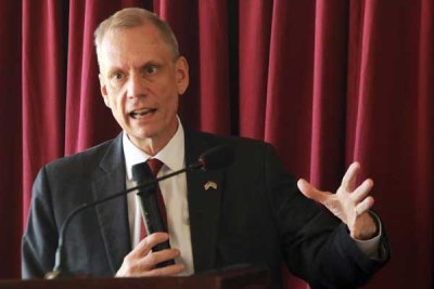 US Ambassador to Kenya Robert Godec addresses vernacular radio Journalists at Imperial Hotel in Kisumu on May 9, 2017.