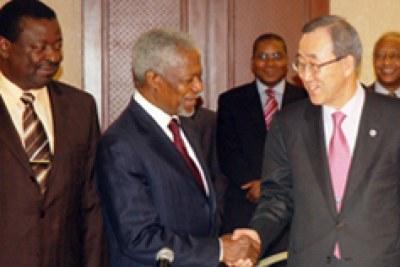 Ban Ki moon avec Koffi Annan ancien secrétaire général de l'ONU.