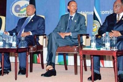 Flashback: Mwai Kibaki (Kenya, right), Paul Kagame (Rwanda), Yoweri Museveni (Uganda) and Pierre Nkurunziza (Burundi) at a regional investment conference in Kigali last year.