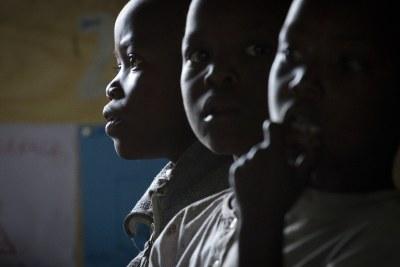 De jeunes garçons congolais
