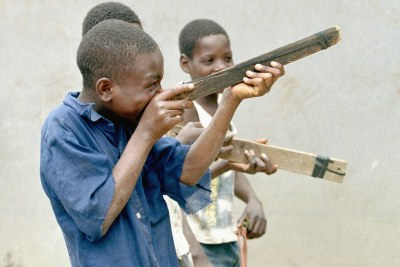 Mozambican boys playing with toy guns after peace was secured between the ruling Frelimo party and Renamo rebels (file photo).