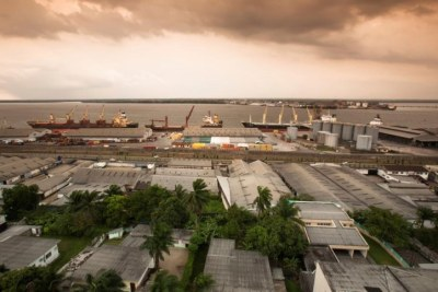 The city of Douala, Cameroon it is the commercial capital of the country. It handles most of the country's major exports, such as oil, cocoa and coffee, timber, metals and fruits.