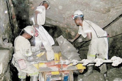 les exploitants de mines