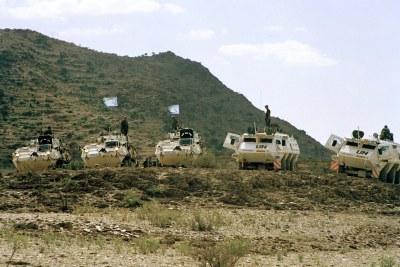 Casques bleus des Nations Unies en patrouille à la frontière érythréo-éthiopienne
