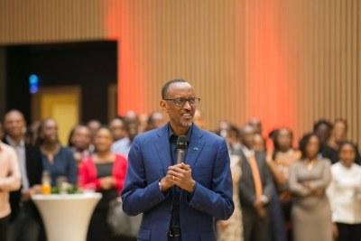 Le président Paul Kagame a remercié tous ceux qui ont tout donné pour le succès du sommet de l'UA. Le président Paul Kagame a remercié tous ceux qui ont tout donné pour le succès du sommet de l'UA.