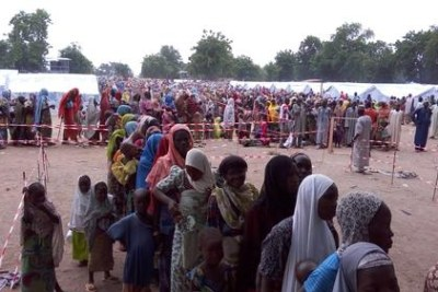 Il y a environ 15,000 personnes dans le camp Bama, surtout des femmes et des enfants sous cinq ans.