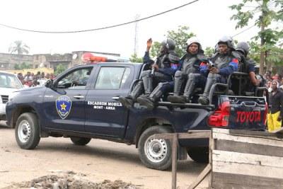 Patrouille de la Police en RDC