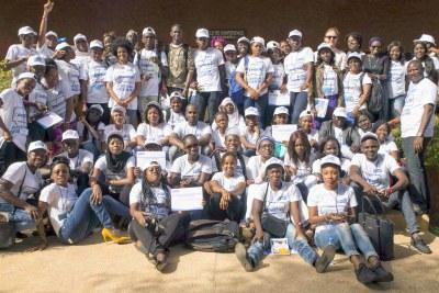 Photo de famille du Forum Régional de Formation et de planification avec les organisations de jeunes de l'Afrique de l'Ouest et du Centre