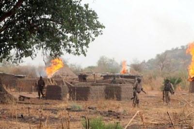Des soldats nigérians attaquent les camps de Boko Haram