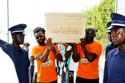 Nearly a thousand people were at the Felix Houphouet Boigny airport to pay tribute to the former Ivorian international as his body arrived.