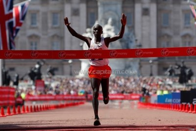 Eliud Kipchoge wins the 2018 London marathon title on April 22, 2018