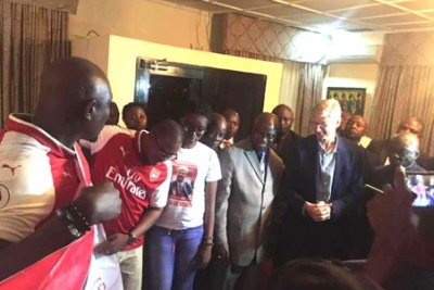 Former Arsenal manager Arséne Wenger says he is in Liberia to visit George Weah, President of Liberia. Mr. Wenger also stated emphatically that he is unaware of any national award that might be bestowed upon him.