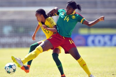 Abena Theresa Ninon of Cameroon tackles Linda Motlhalo of South Africa during Cosafa Womens Championship Final match between Cameroon and South Africa (file photo).