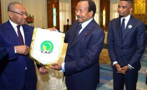 Le soutien de Samuel Eto'o à Paul Biya suscite des remous au Cameroun