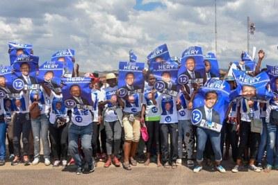 Campagne électorale - Partisans d'Hery Rajaonarimampianina