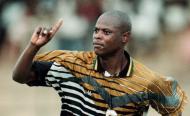 La légende du football sud-africain Phil Masinga est mort