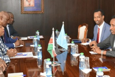 A meeting between Kenya and Somalia delegations (file photo).