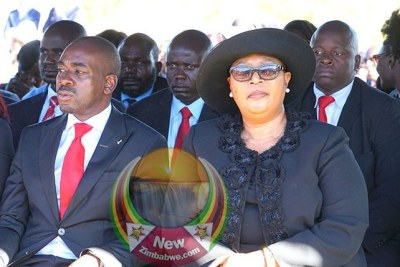 Opposition foes Nelson Chamisa and Thkozani Khupe (file photo).