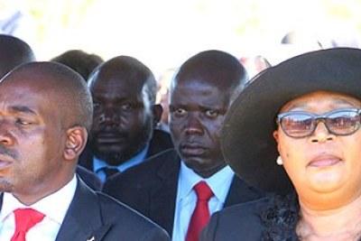 MDC leader Nelson Chamisa, left, and MDC-T leader Thokozani Khupe at Vimbai Tsvangirai-Java's funeral.