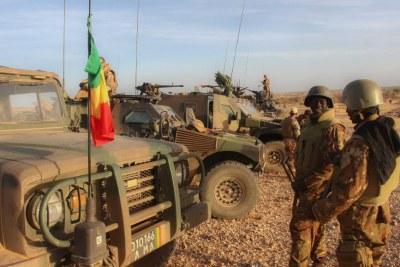 Archive - Militaires de la force conjointe G5 Sahel, dans la région d'In Tillit, au Mali