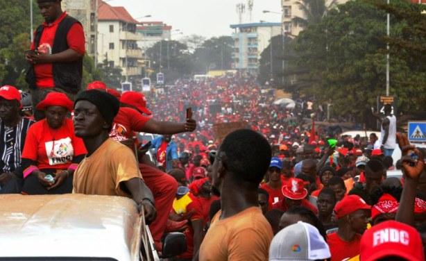 Manifestation de l'opposition contre un 3e mandat d'Alpha Condé en Guinée -  allAfrica.com
