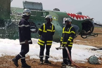 Les images du crash du Mi-24 à l'aéroport de Port-Bouët