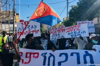Des manifestants anti-guerre en Ethiopie.