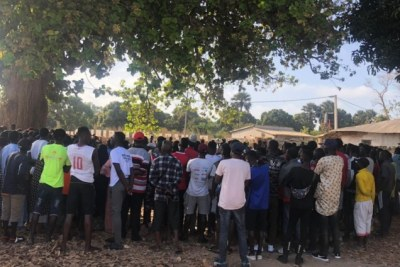 L'arrestation, selon nos sources, a eu lieu au cours du week-end alors que l'Unité anti-criminalité de la police arrêtait des personnes dans les rues et les complexes.