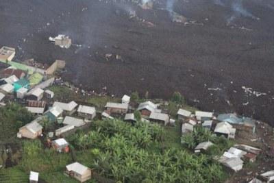 Le volcan Nyiragongo, l'un des plus actifs de la région des Grands-Lacs, est entré en éruption samedi 22 mai, occasionnant d'importants dégâts matériels aux abords de la ville de Goma.